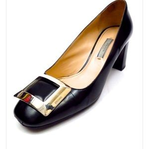 Prada leather black pumps